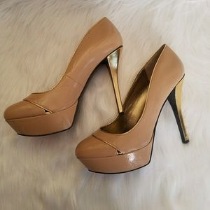 Guess size 9 nude high heels with gold heel